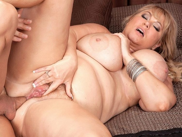 Samantha makes strangled noises as she gets deeply penetrated outdoors 3